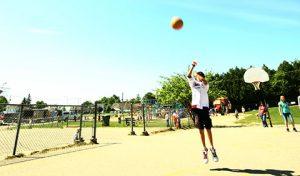 Élève au basketball